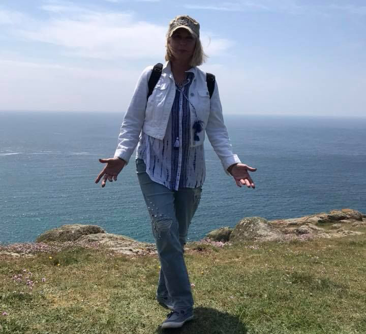 Kelly Hampton Glastonbury energy healing retreat